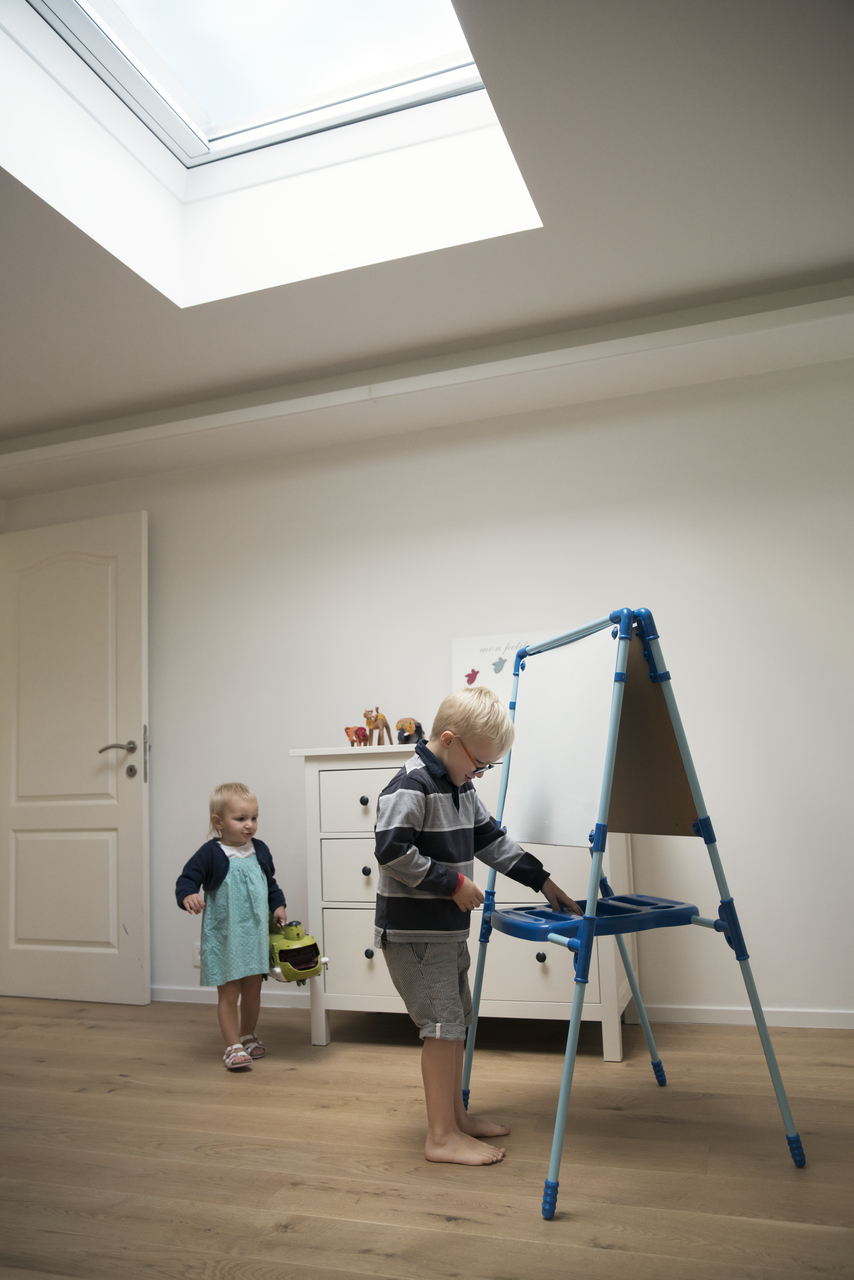 velux flachdach fenster mit acryl kuppel. Black Bedroom Furniture Sets. Home Design Ideas