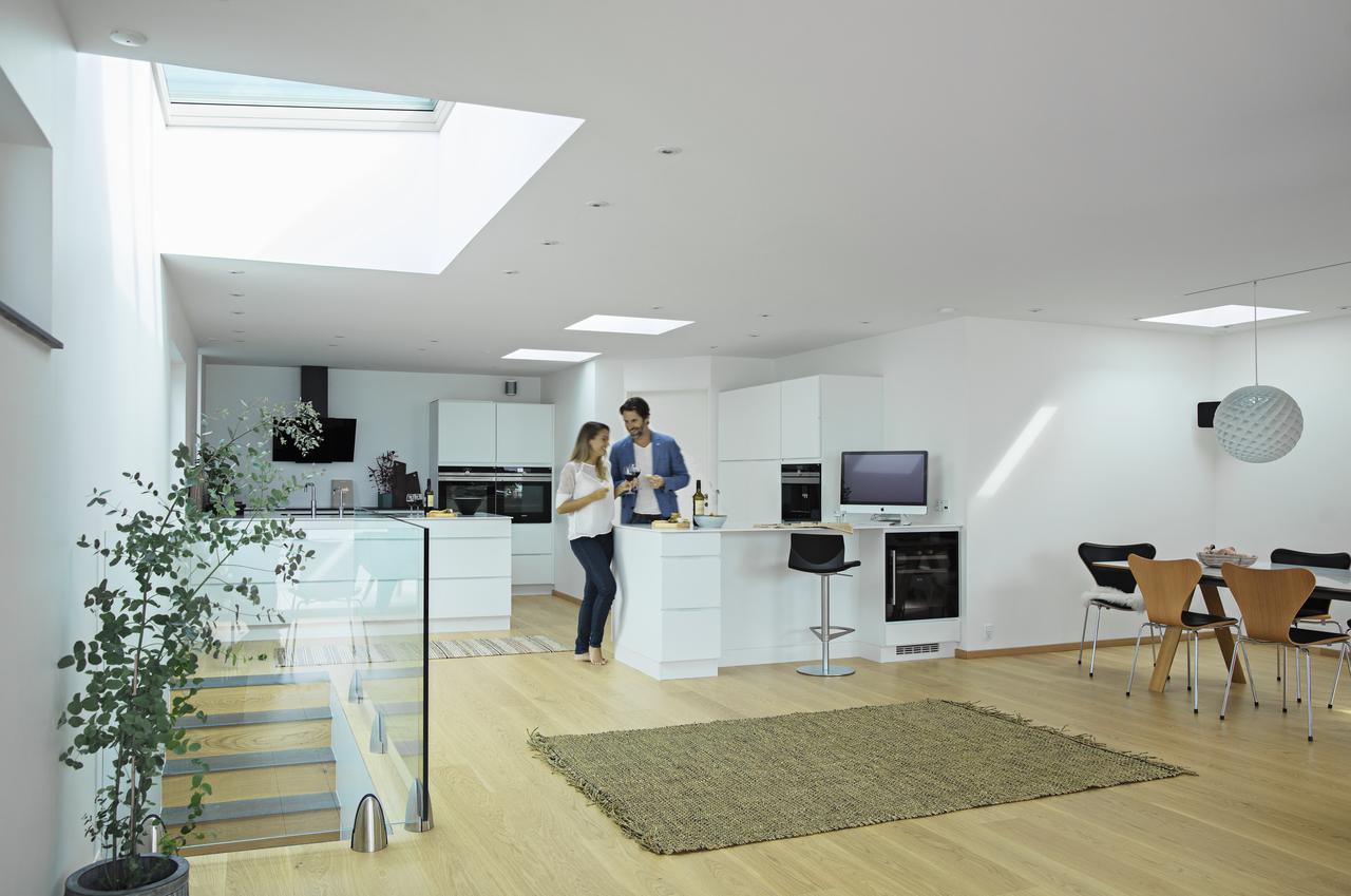 Dachfenster mit elegantem velux flachglas for Camere da letto basso costo