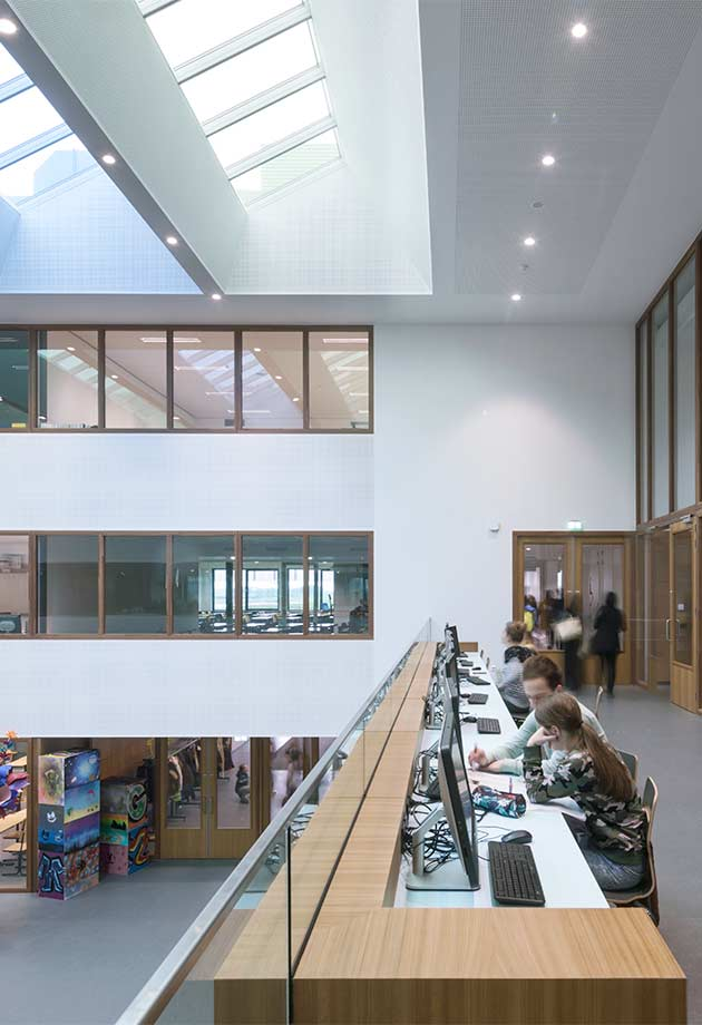 Rooflight solution with Ridgelight 25-40˚ and Longlight 5-30˚ modules, Merlet college, Cuijk, The Netherlands