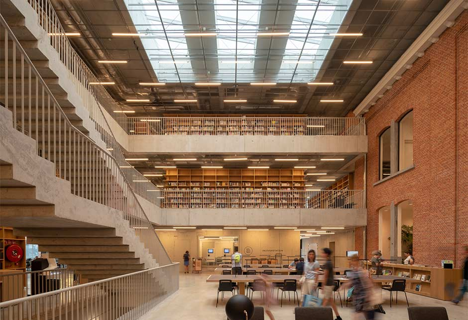 Atrium longlight skylights bring daylight to Utopia Library